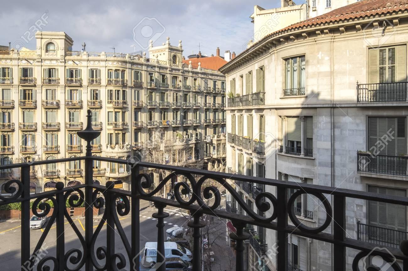 Barcelona España 29 De Enero De 2017 Terraza En El Barrio Del Eixample En Barcelona Cataluña España