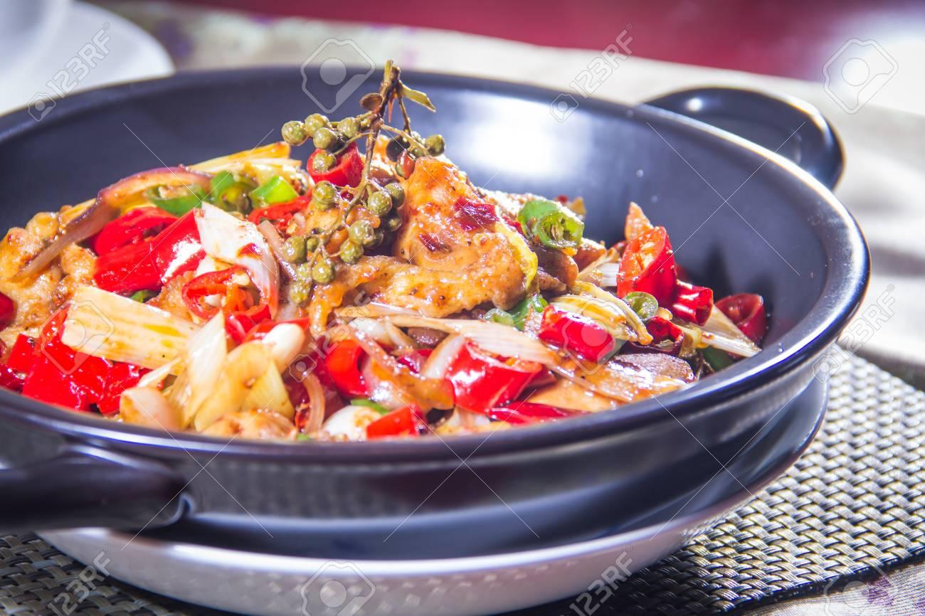 Eine Küche Foto Chili Huhn Lizenzfreie Fotos, Bilder Und Stock ...