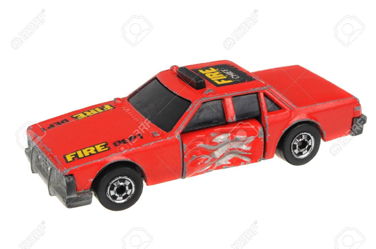 Le Découpée AdélaïdeAustralie 5 En 1983 Isolé Pompiers 2016Un De Jouet Juillet Circuit Ferreux À D'une Voiture Chauffe Chief Fire Tir XZiwOulPTk