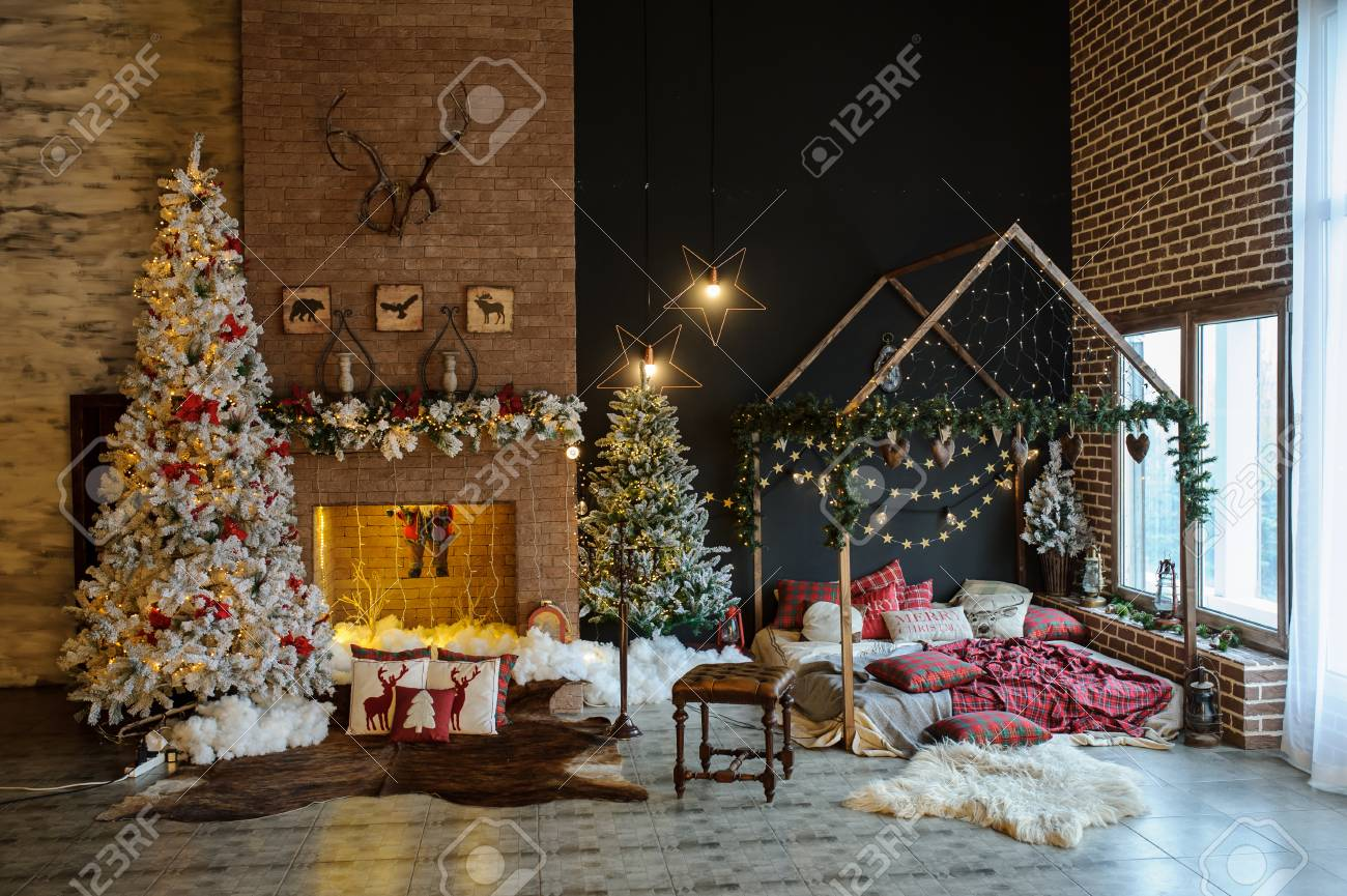 Vintage Artificial Christmas Trees.Vintage Style Interior Of Fireplace With Christmas Tree Vintage