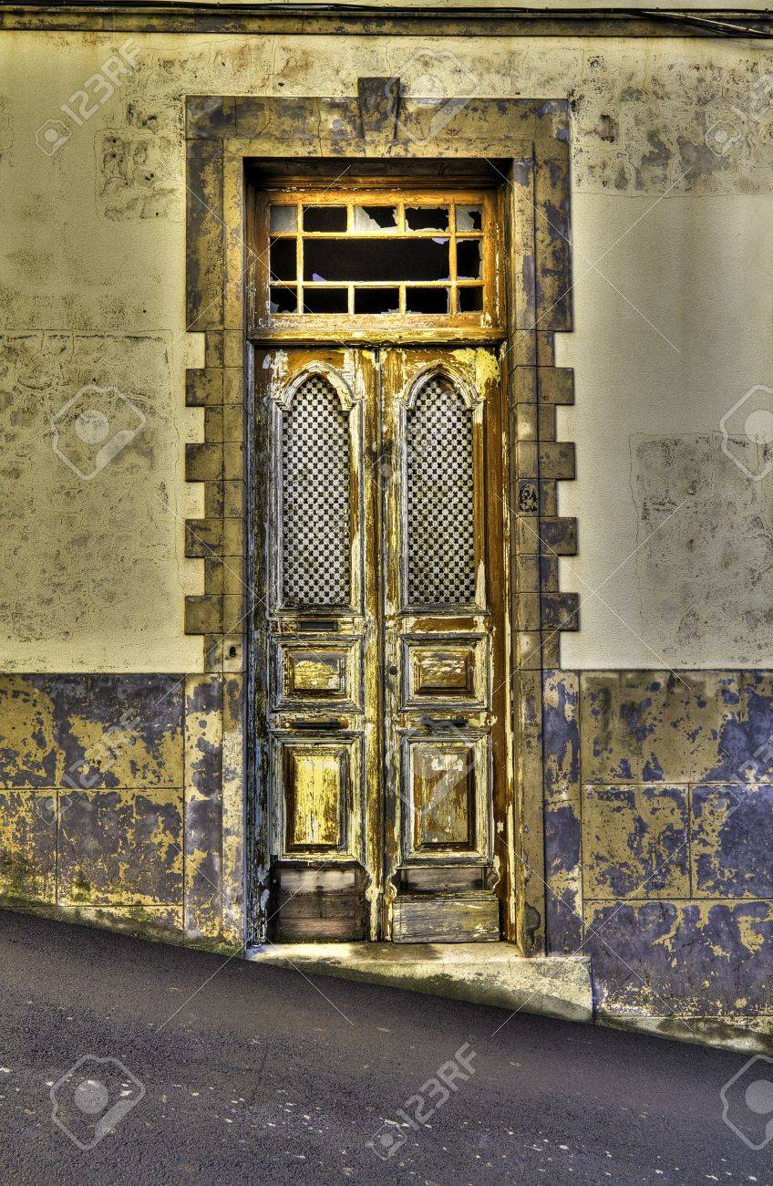 Beautiful vintage door. Stock Photo - 8531888