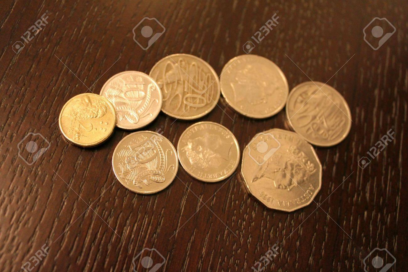 Australien Dollar Münze Auf Dem Holz Aud Lizenzfreie Fotos Bilder