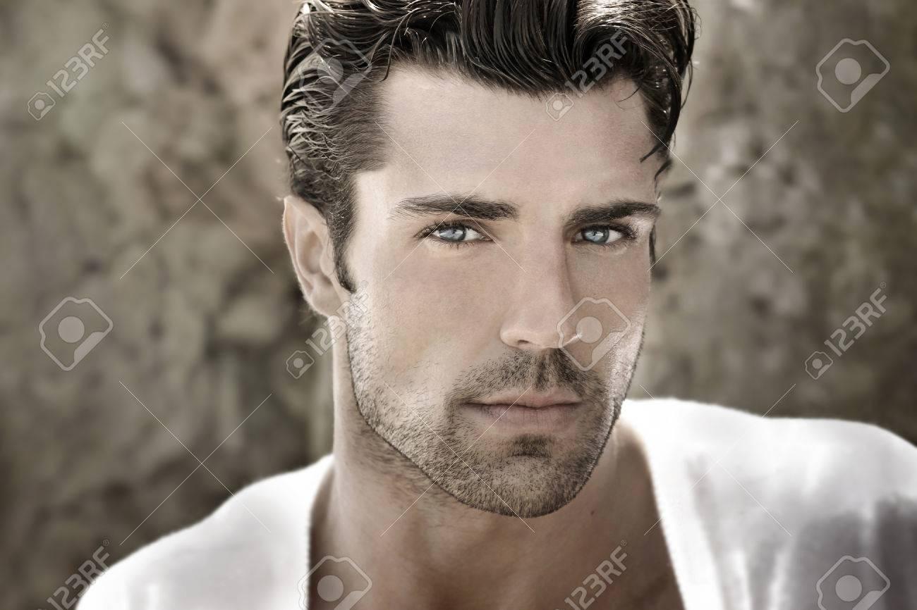 Handsome man portrait Banque d'images - 52066167