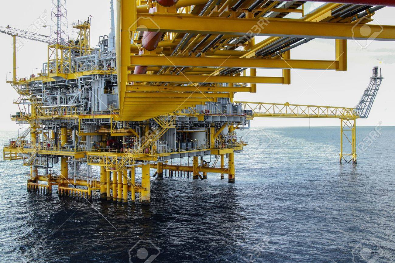 offshore oil and gas platform Stock Photo - 22139146