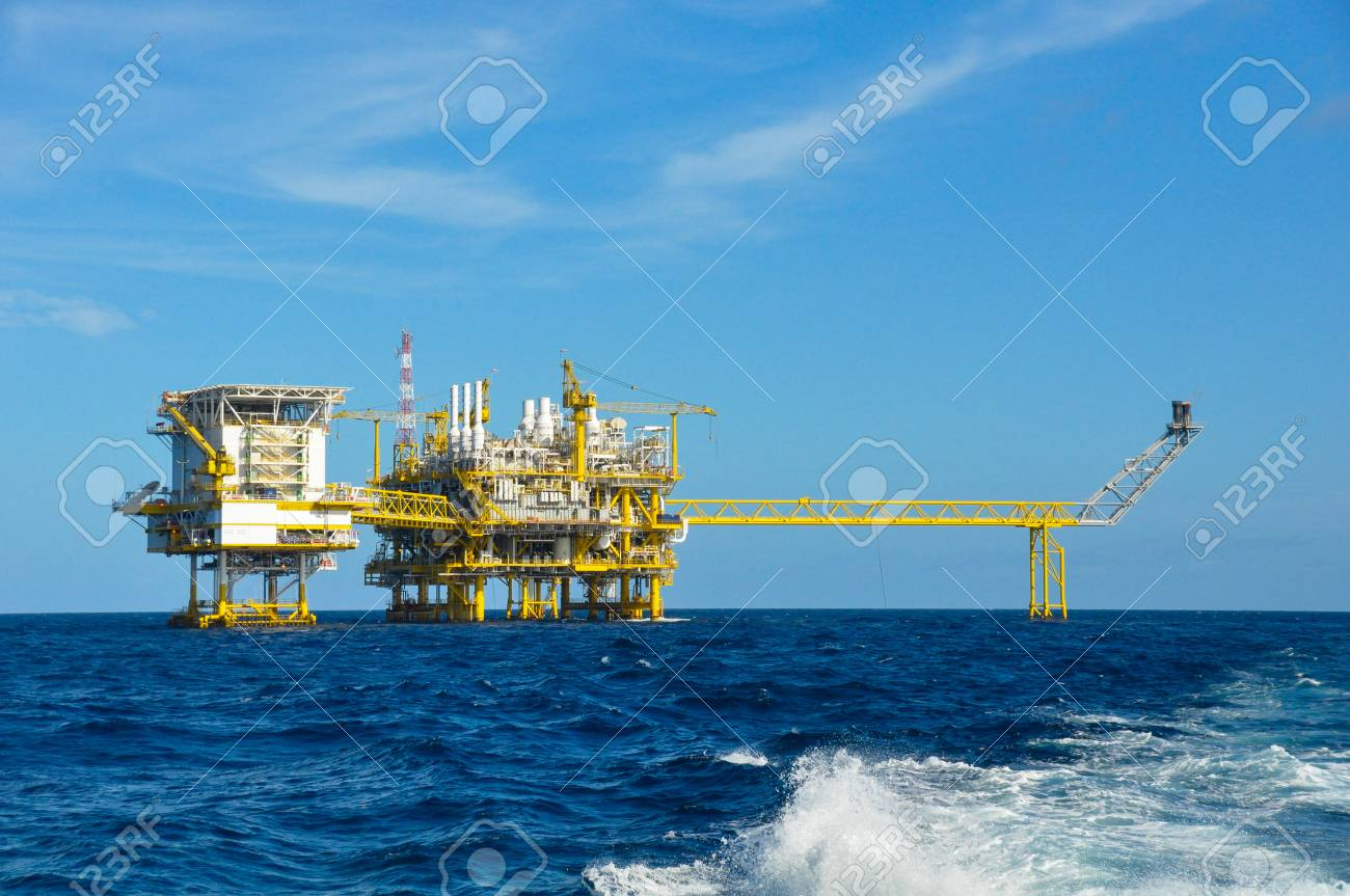 Offshore oil and gas platform Stock Photo - 22907822