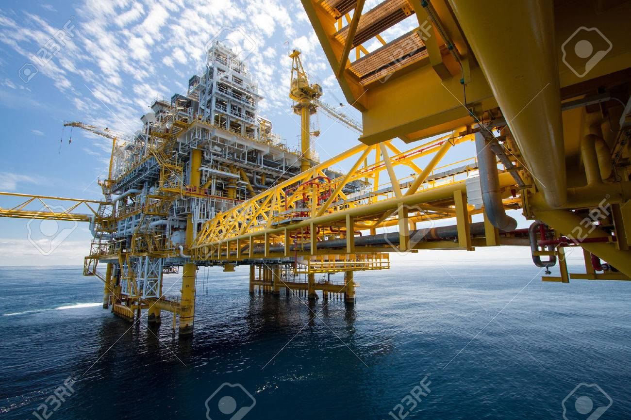 Oil and gas platform in offshore in the sea Stock Photo - 24042520