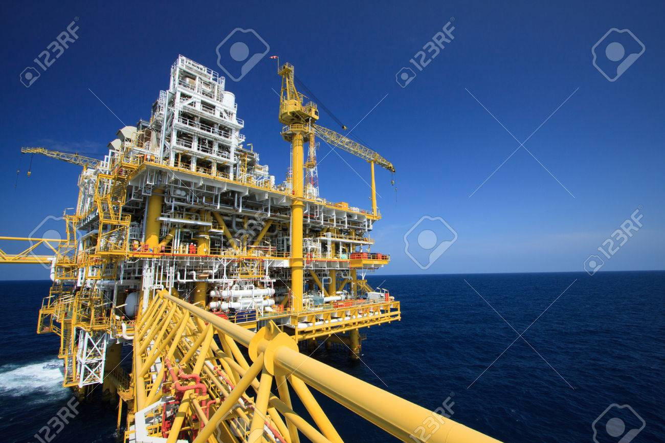 Oil and gas platform in offshore industry, Production process in petroleum industry, Construction plant of oil and gas industry  heavy work Stock Photo - 30464873