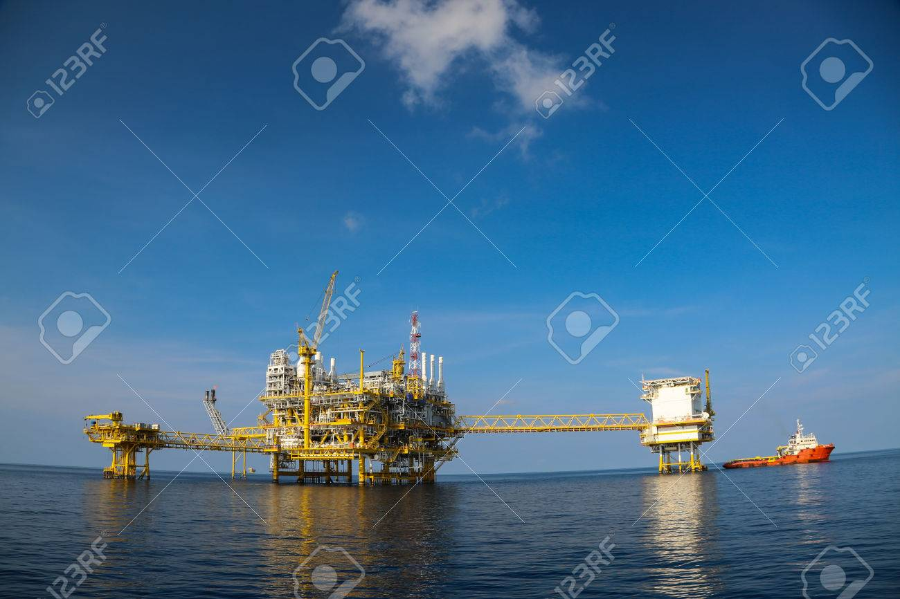 Offshore oil and gas production and exploration business. Production oil and gas plant and main construction platform in the sea. Energy business. Stock Photo - 39031064