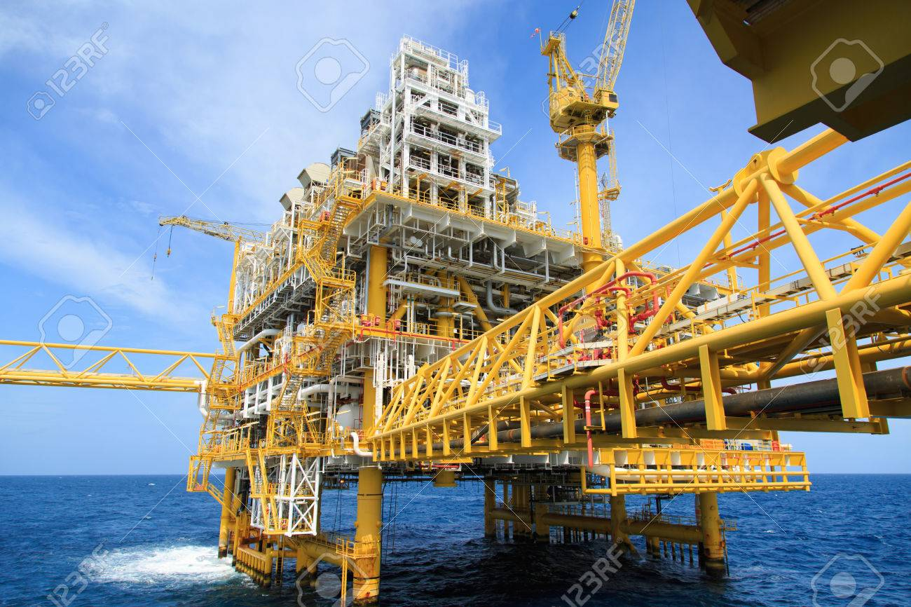 Construction platform for production energy Oil and gas platform