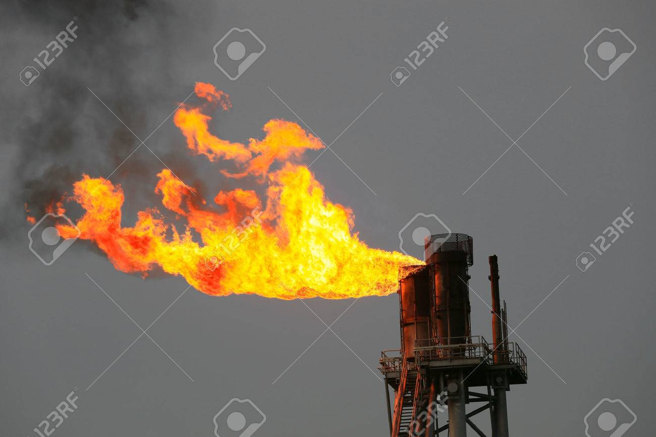 Offshore construction platform for production oil and gas, Oil and gas industry and hard work, Production platform and operation process by manual and auto function. Stock Photo - 52794138