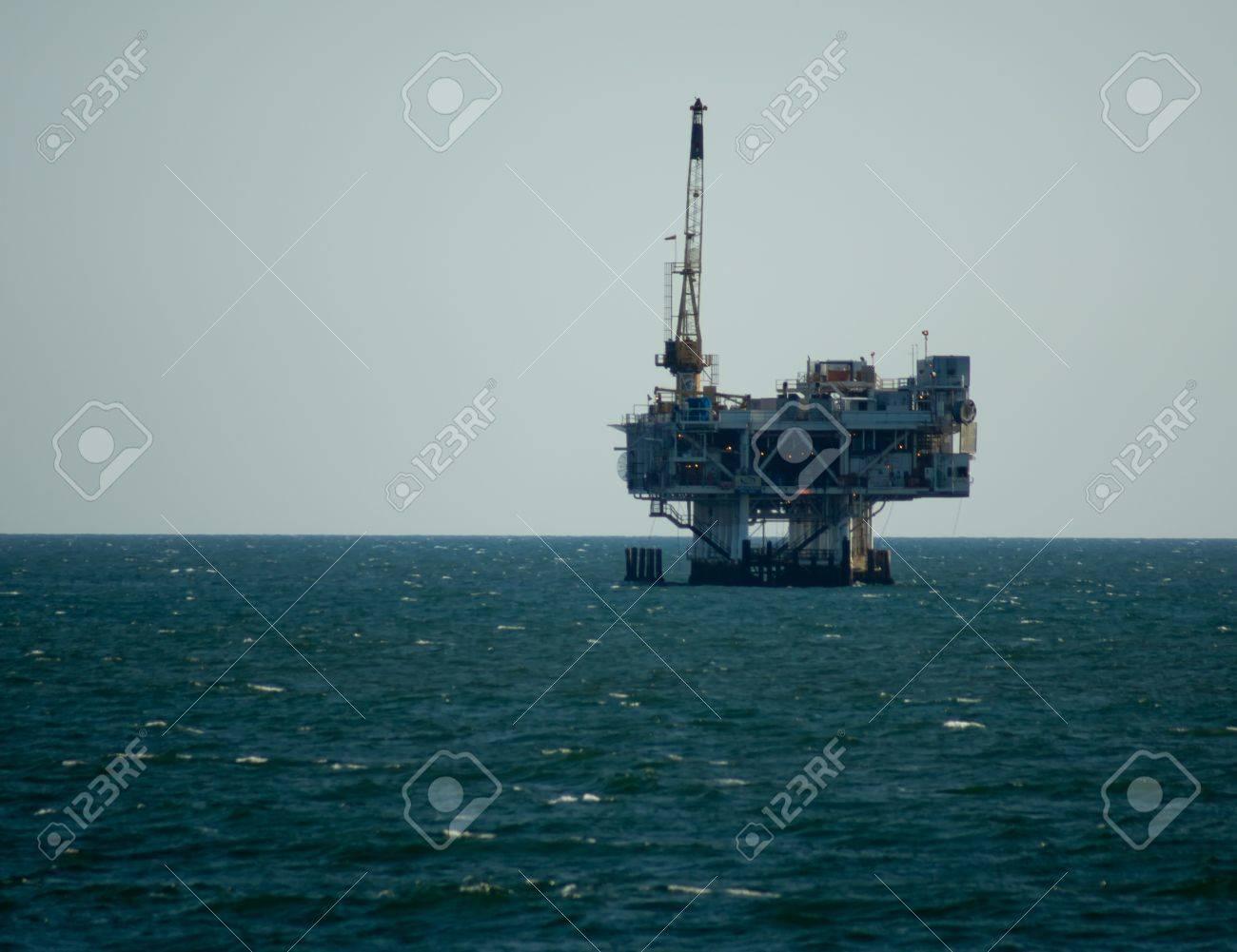 Oil platform located off shore of Huntington Beach, California Stock Photo - 13289663
