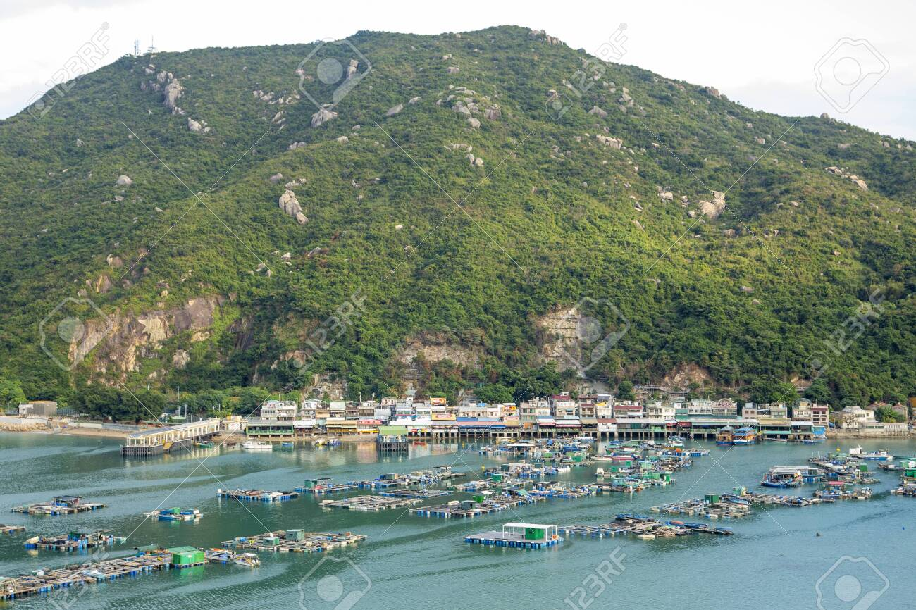 A View Of Lamma Island Seafood Village ...