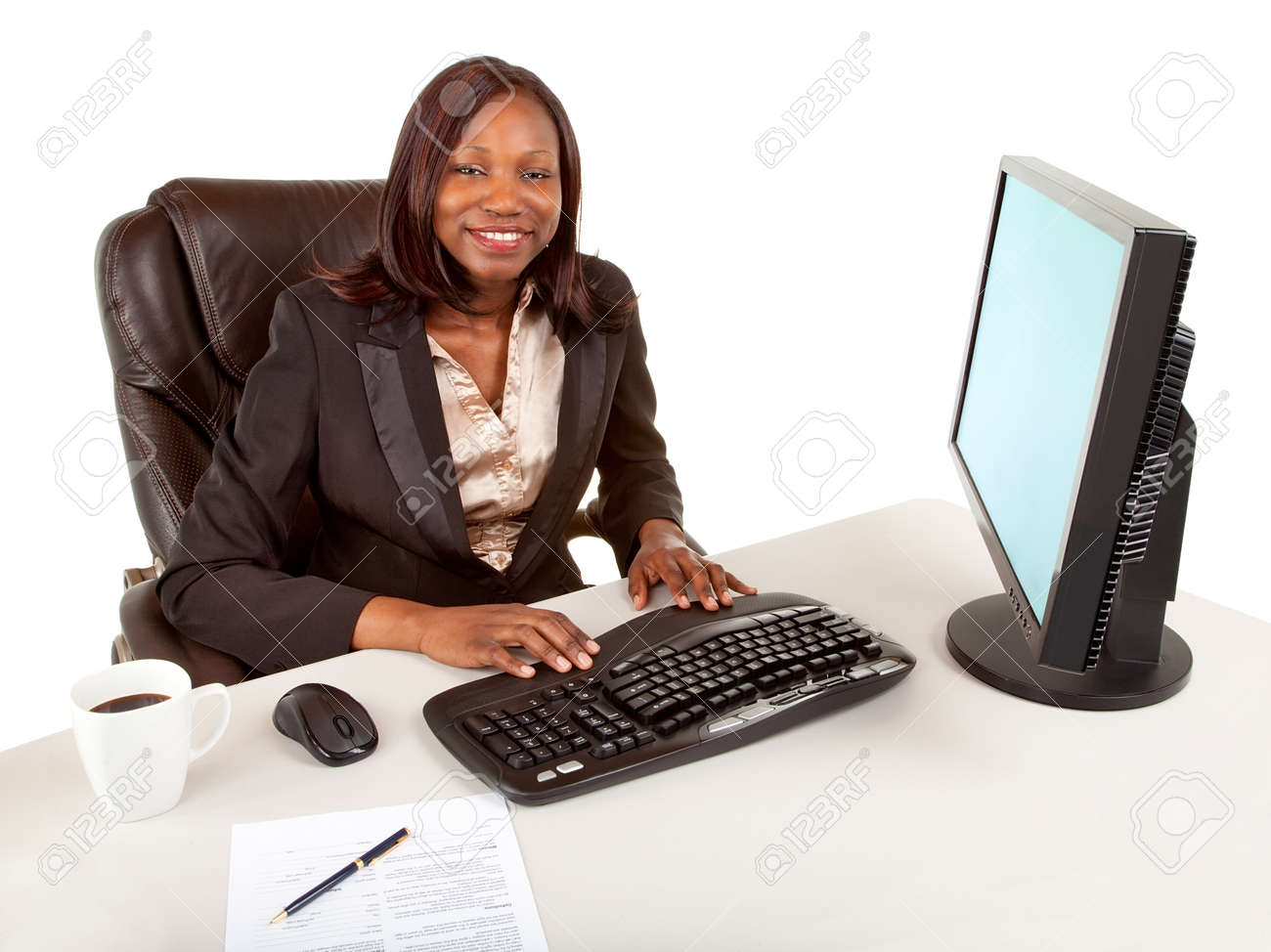 Smiling African American Businesswoman Stock Photo - 9766591