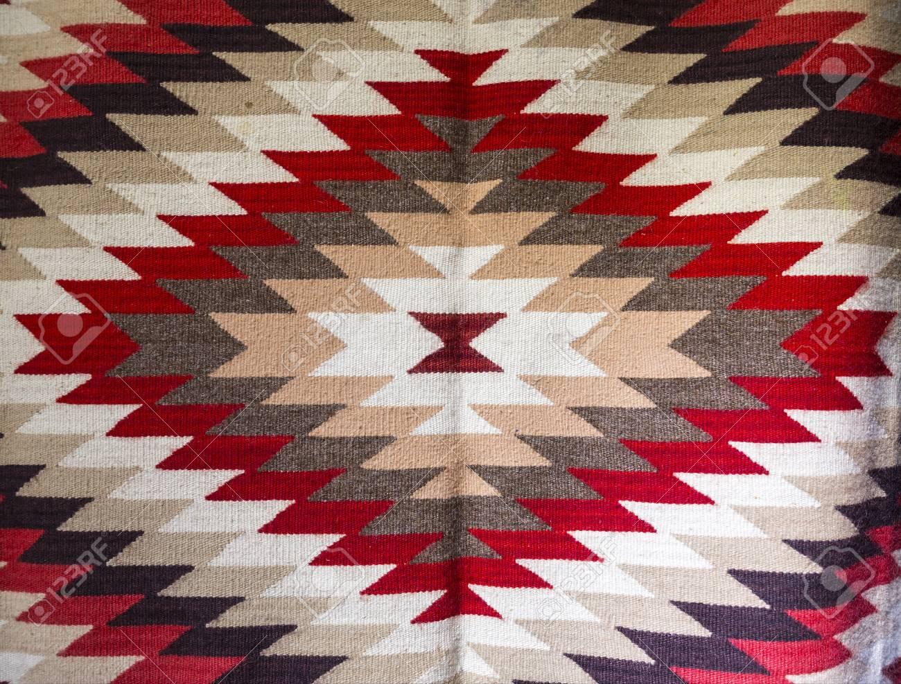 Alfombras Chiprovtsi (alfombras). Alfombras Coloridas Tradicionales ...