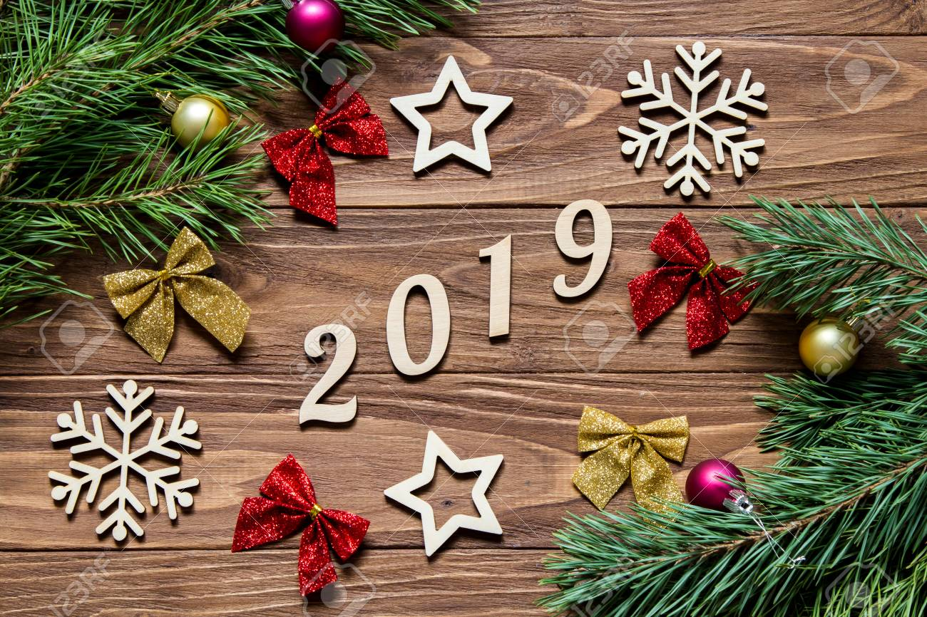 Image De Noel 2019.Original Christmas Decoration Exposition On The Wooden Table