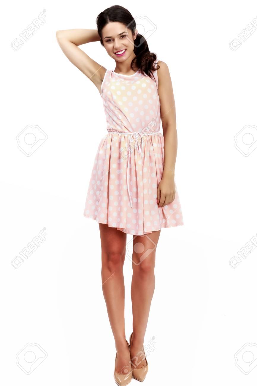 f2011cada30 Belle Femme En Robe Rose Sur Fond Blanc Banque D Images Et Photos ...