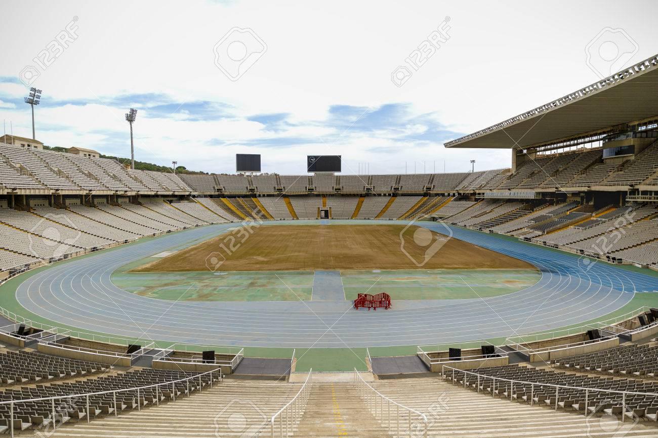Estadio De Los Juegos Olimpicos De Barcelona Fo Fotos Retratos