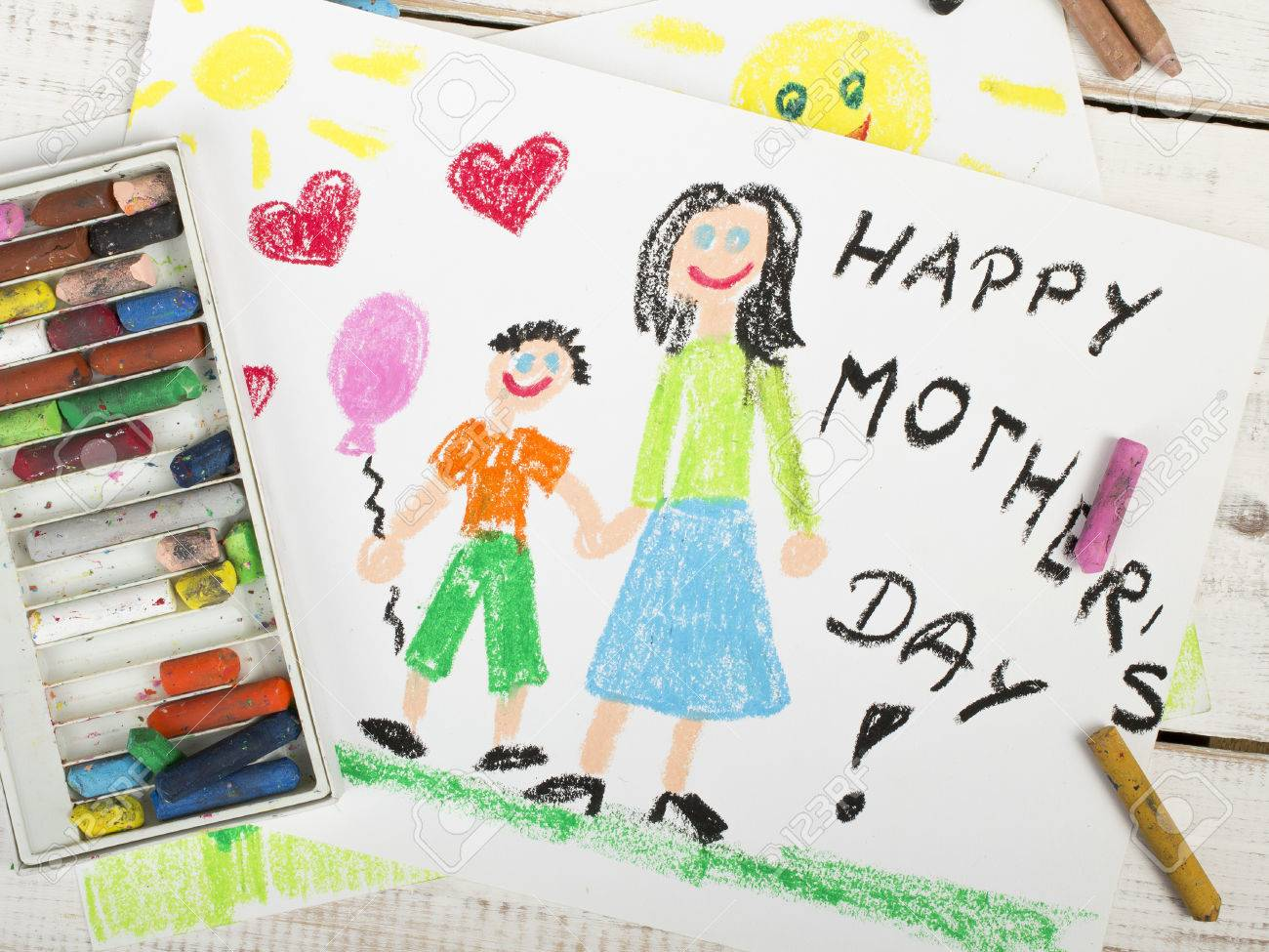 Happy mothers day card made by a child - 40804860