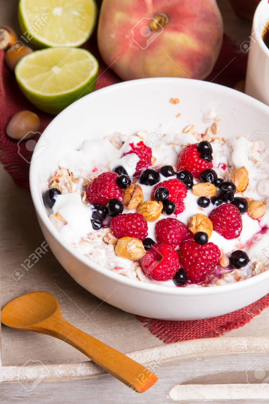 Leckeres Frühstück Haferflocken Mit Joghurt Und Obst Auf Einem