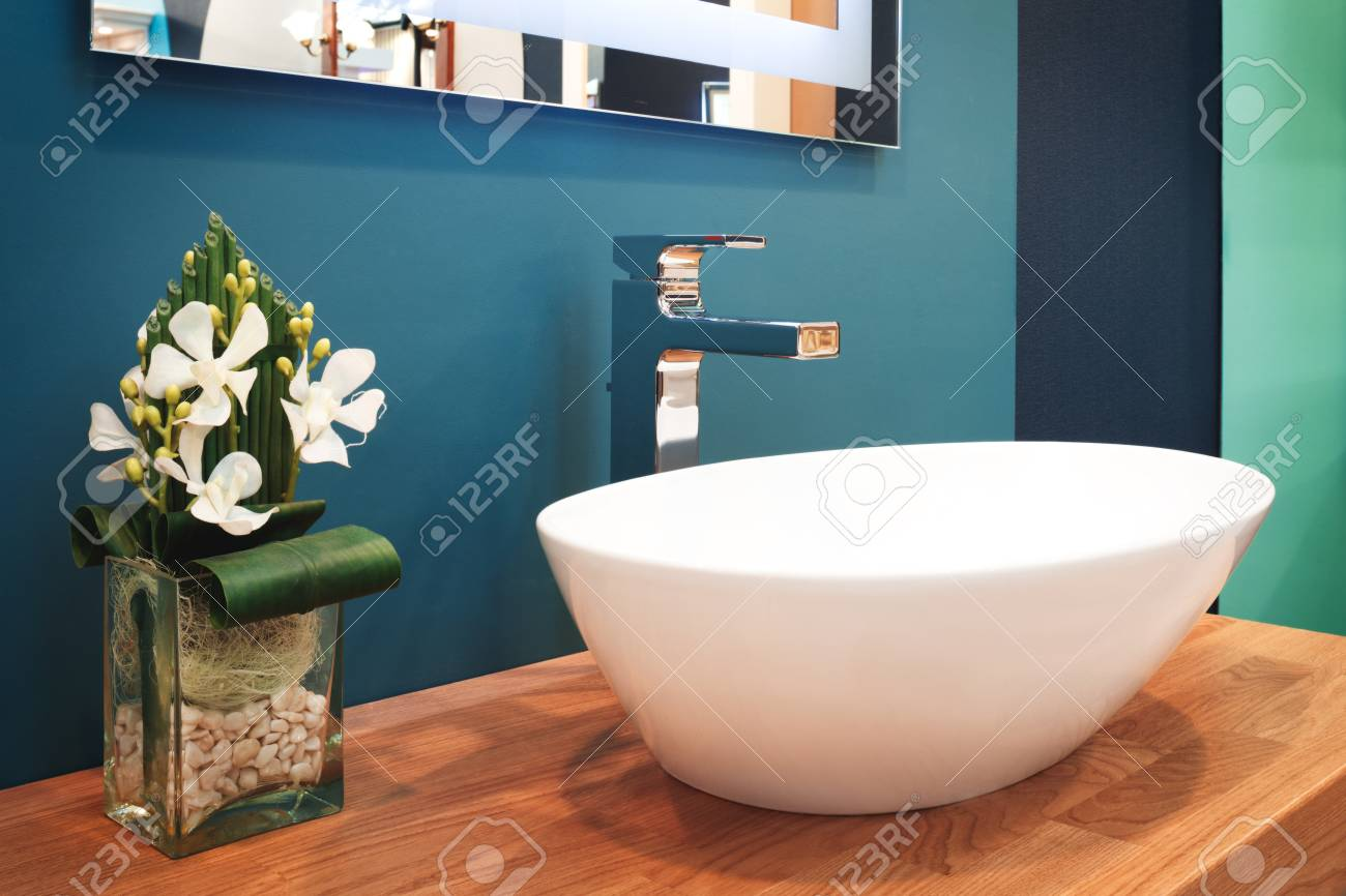 Funky Old Fashioned Sinks Frieze - Bathtub Ideas - dilata.info