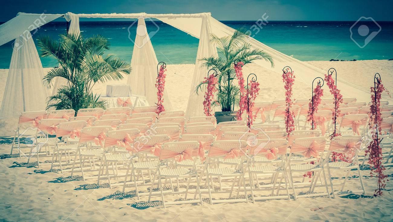 Vintage Stil Foto Der Hochzeit Altar Am Strand Lizenzfreie Fotos