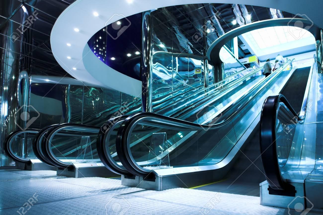 Move escalator in modern office centre Stock Photo - 3184066