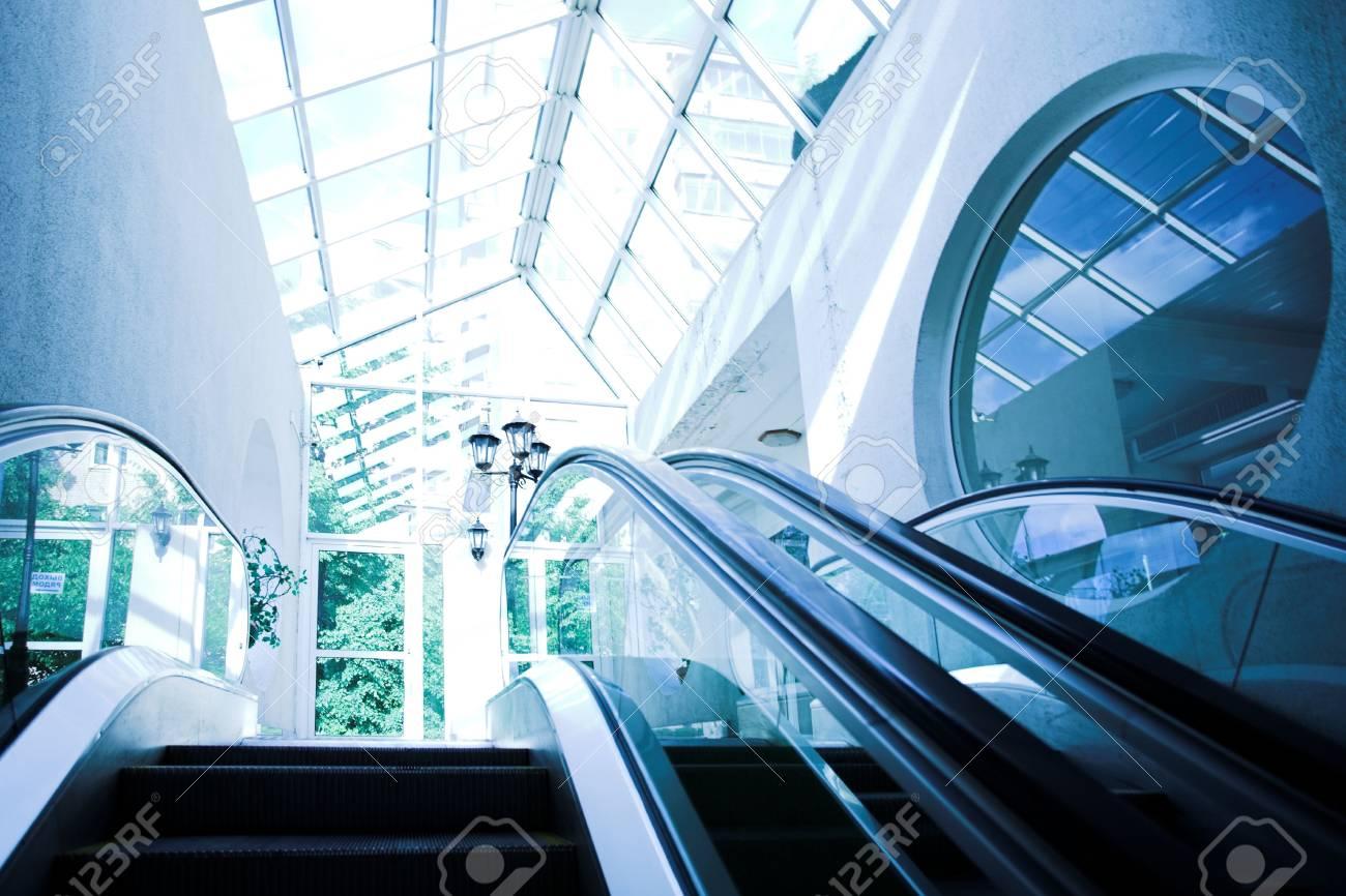 Move escalator in modern office centre Stock Photo - 3305221