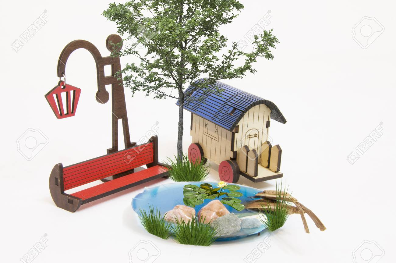 Excellent Wooden Red Park Bench Maquette And Light Bulb Small Lake Caravan Bralicious Painted Fabric Chair Ideas Braliciousco