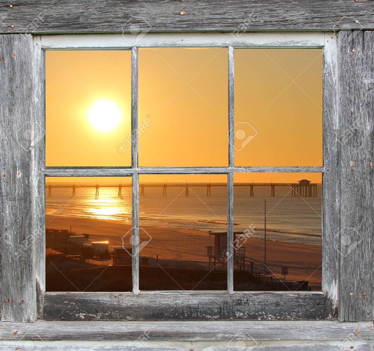 Fensterflügelrahmen Mit Ocean Sunset Anzeigen Lizenzfreie Fotos ...