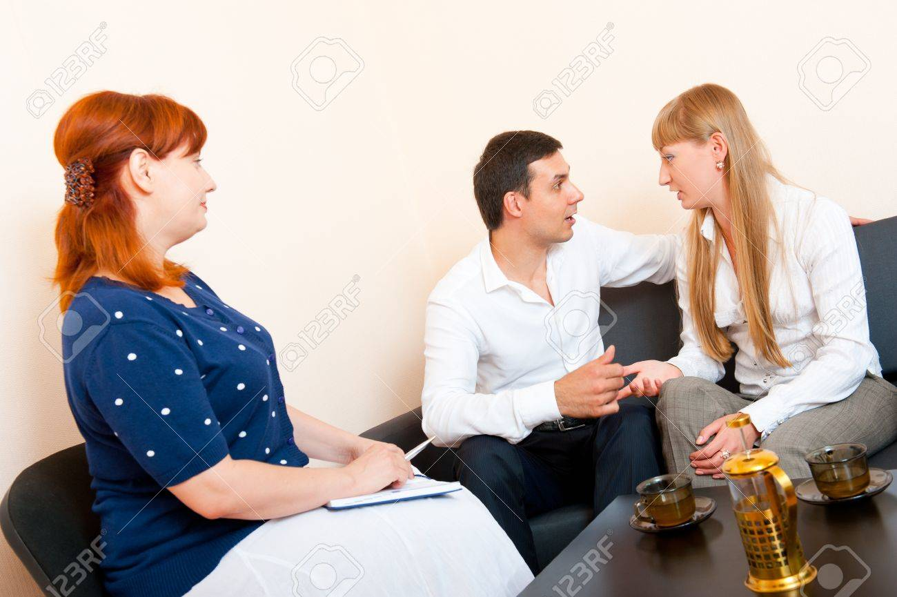Young married couple consults at the psychologist - 10627921