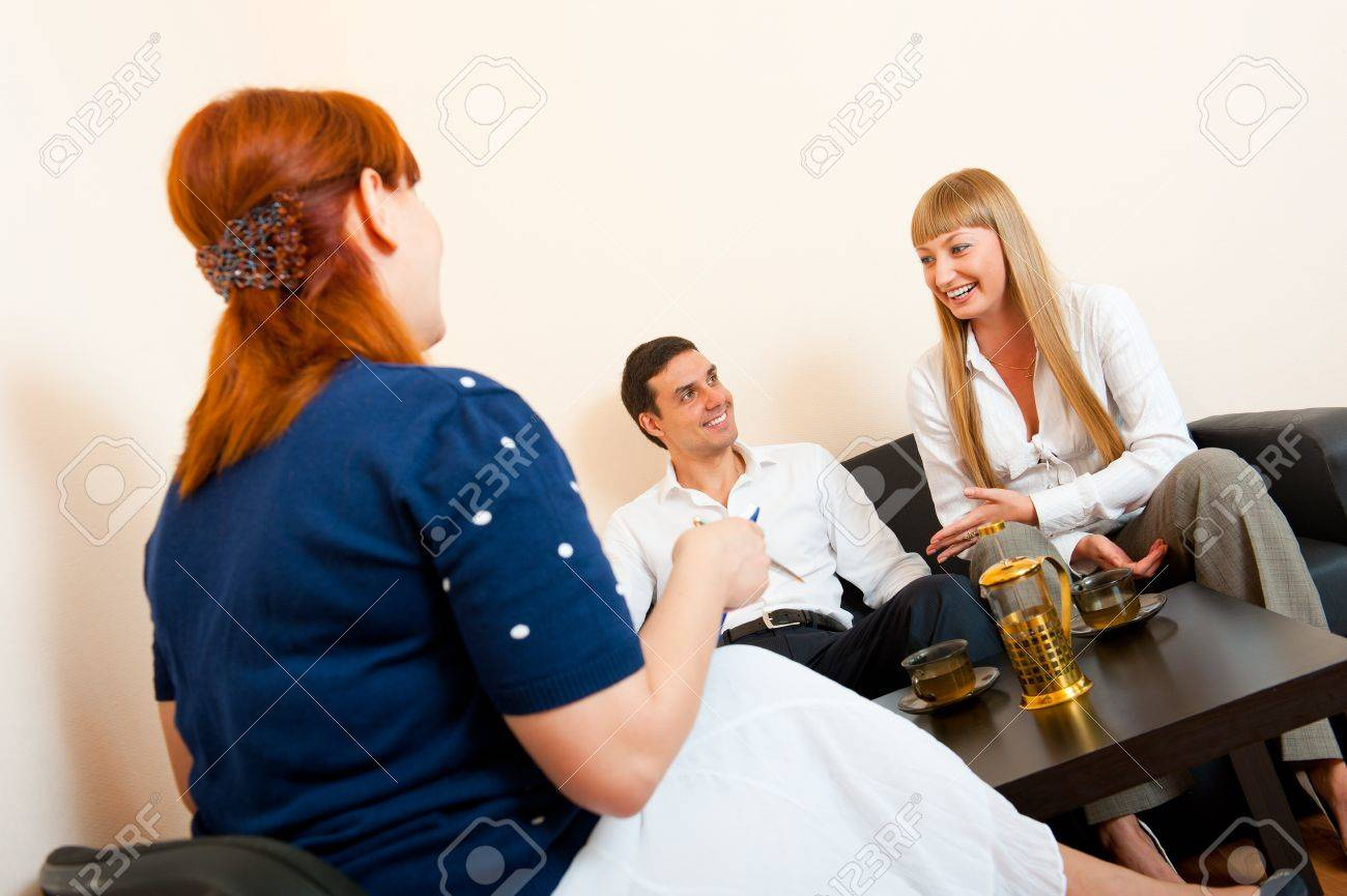 Young married couple consults at the psychologist - 10690334