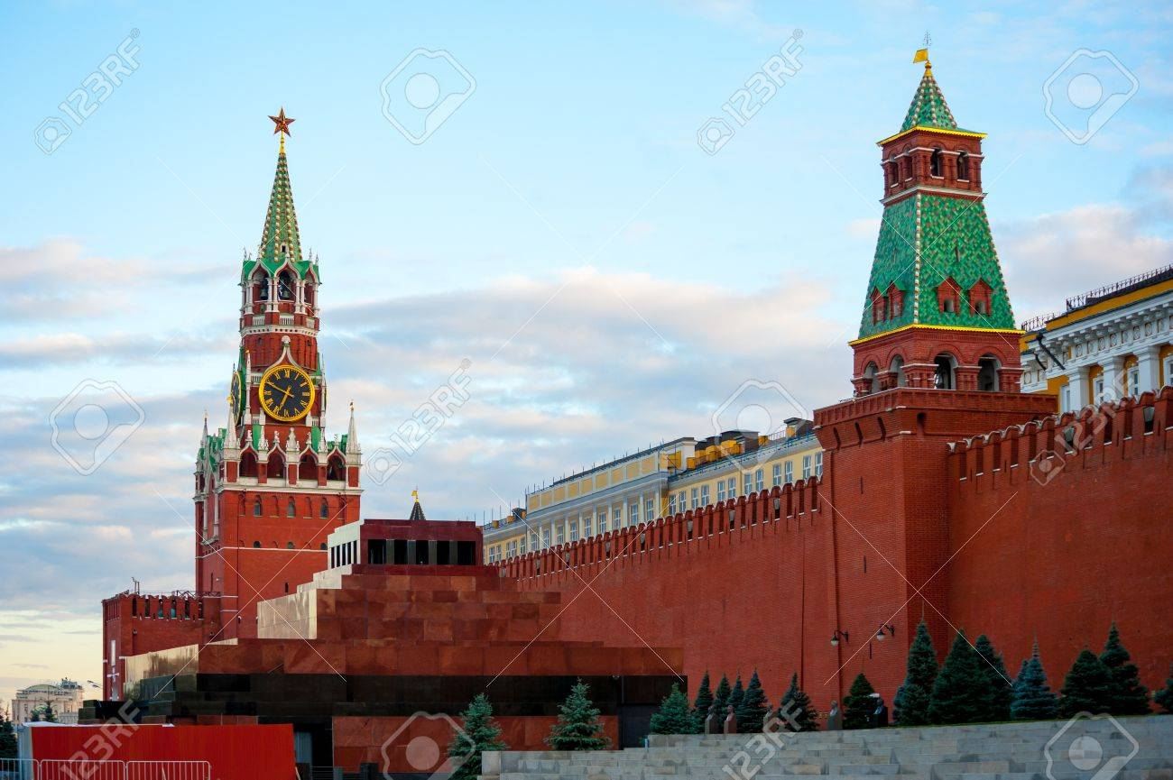 Spasskaya tower and mausoleum in Kremlin on Red Square, Moscow, Russia Stock Photo - 15398488
