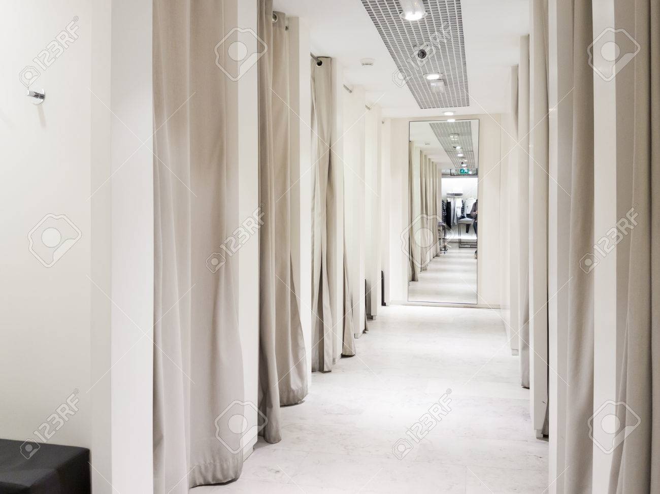 Fitting room interior in a mall. Nobody - 68348767