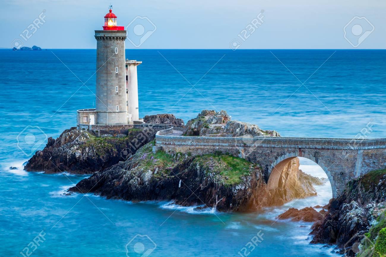 View of the lighthouse Phare du Petit Minou in Plouzane, Brittany (Bretagne), France. - 82748365