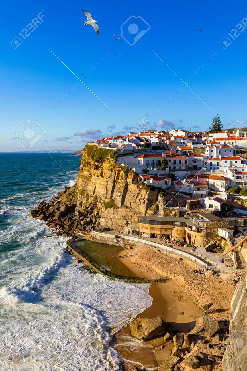 Azenhas do Mar is a seaside town in the municipality of Sintra, Portugal. Close to Lisboa. Azenhas do Mar white village, cliff and ocean, Sintra, Portugal. Azenhas Do Mar, Sintra, Portugal. - 168255346