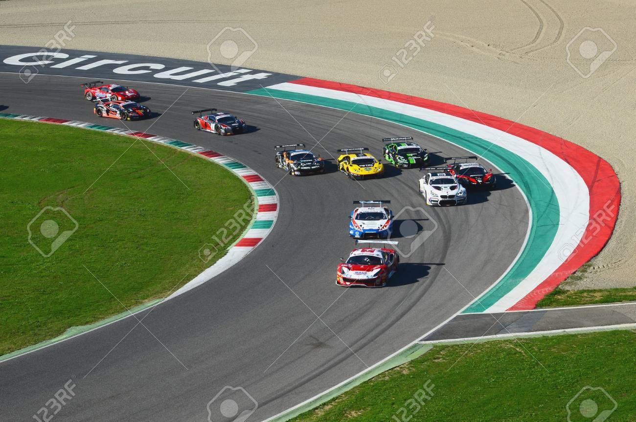 Circuito Del Mugello : Circuito del mugello italia 7 ottobre 2017: inizio gara 1 ° round
