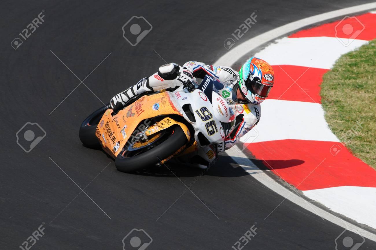 Circuito San Marino : Moto gp san marino misano lorenzo dalla porta vince in