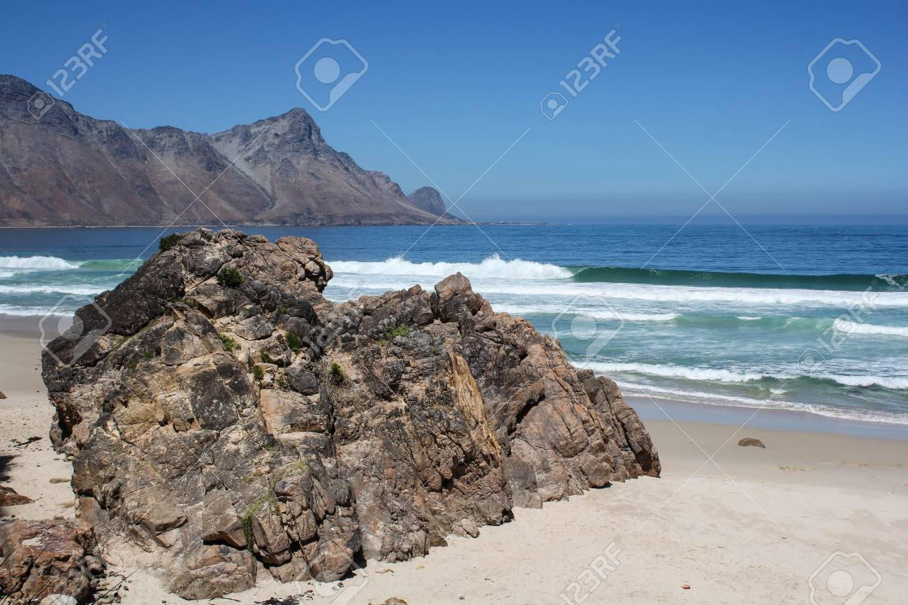 Beach along south africas coastline at the indian ocean Stock Photo - 15425909