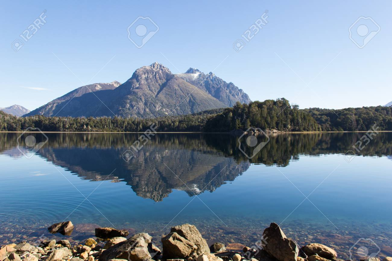 Circuito Chico Bariloche : Beautiful lake in the circuito chico in bariloche argentina stock