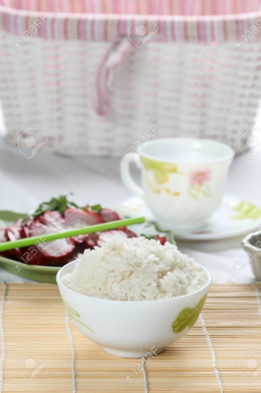 Gedampfter Reis Auf Bambusmatte Zuruck Boden Mit Tee Und