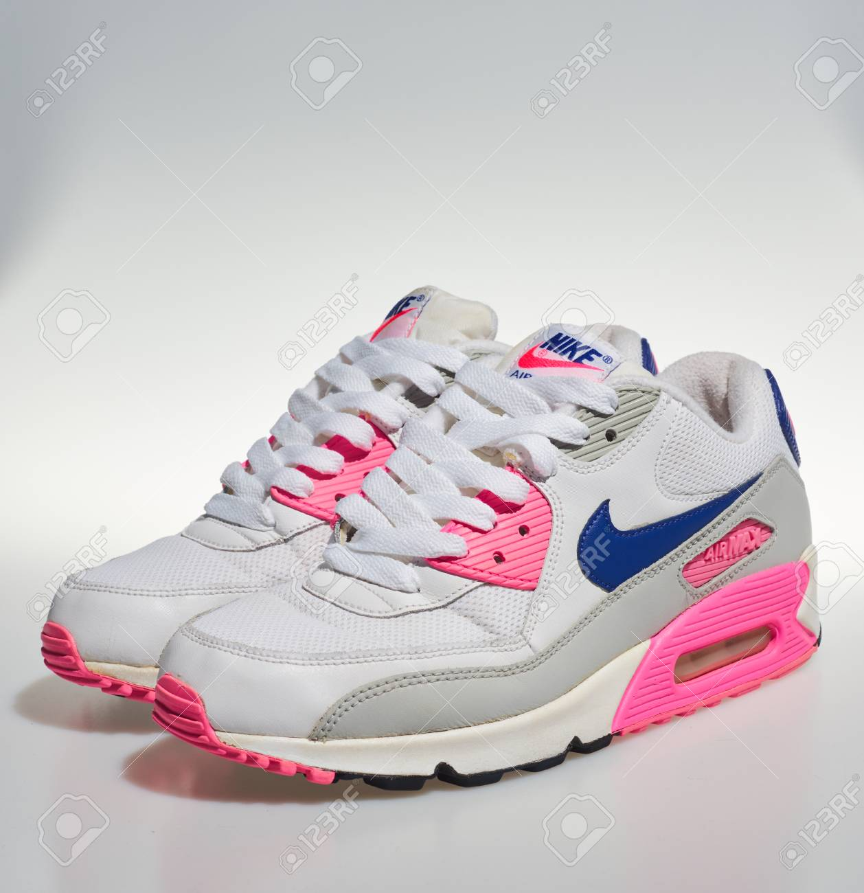 reemplazar Curso de colisión banda  nike air max classic white Online Shopping for Women, Men, Kids Fashion &  Lifestyle|Free Delivery & Returns