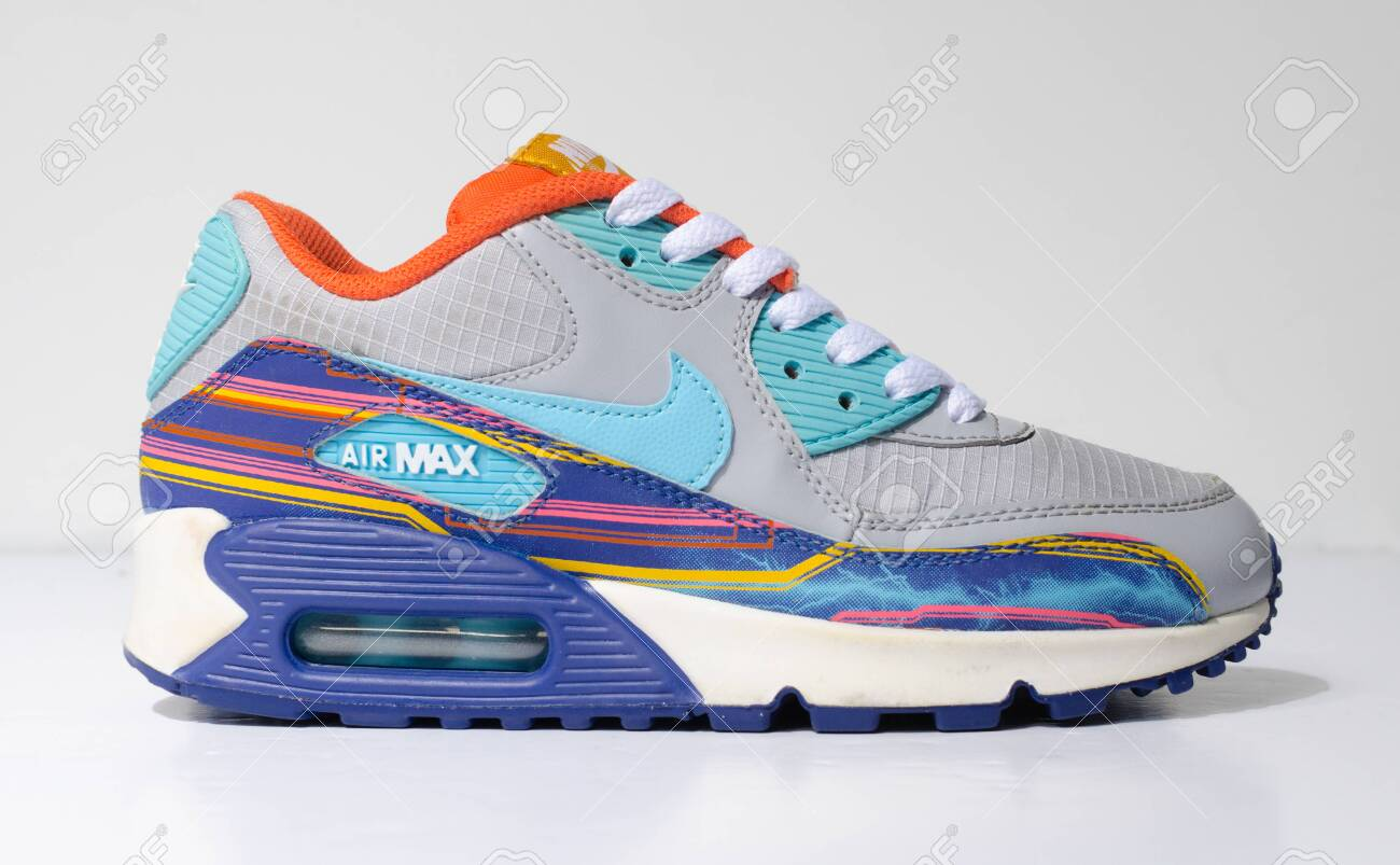 revelación Mujer moral  London, Englabnd, 05/08/2018 Nike Air Max 90 Grey Clearwater.. Stock Photo,  Picture And Royalty Free Image. Image 134858747.
