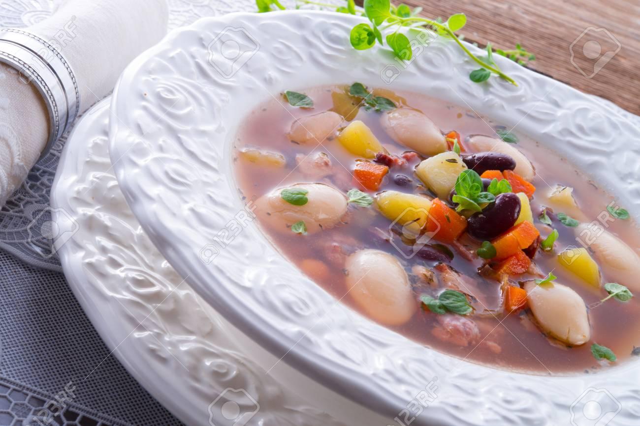 beans soup Stock Photo - 18280309