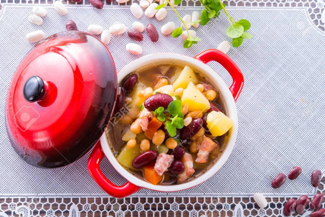beans soup Stock Photo - 18317006
