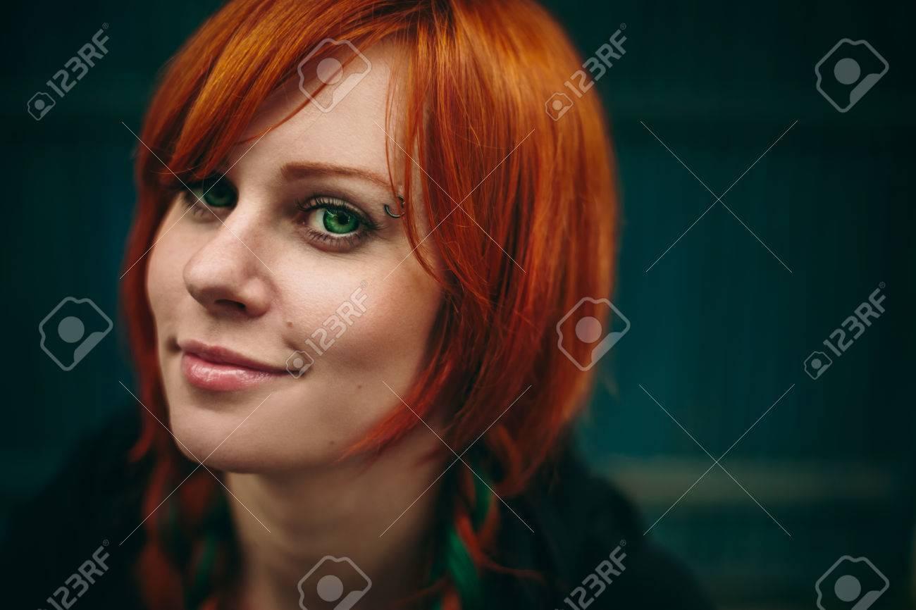 Grüne augen rote haare