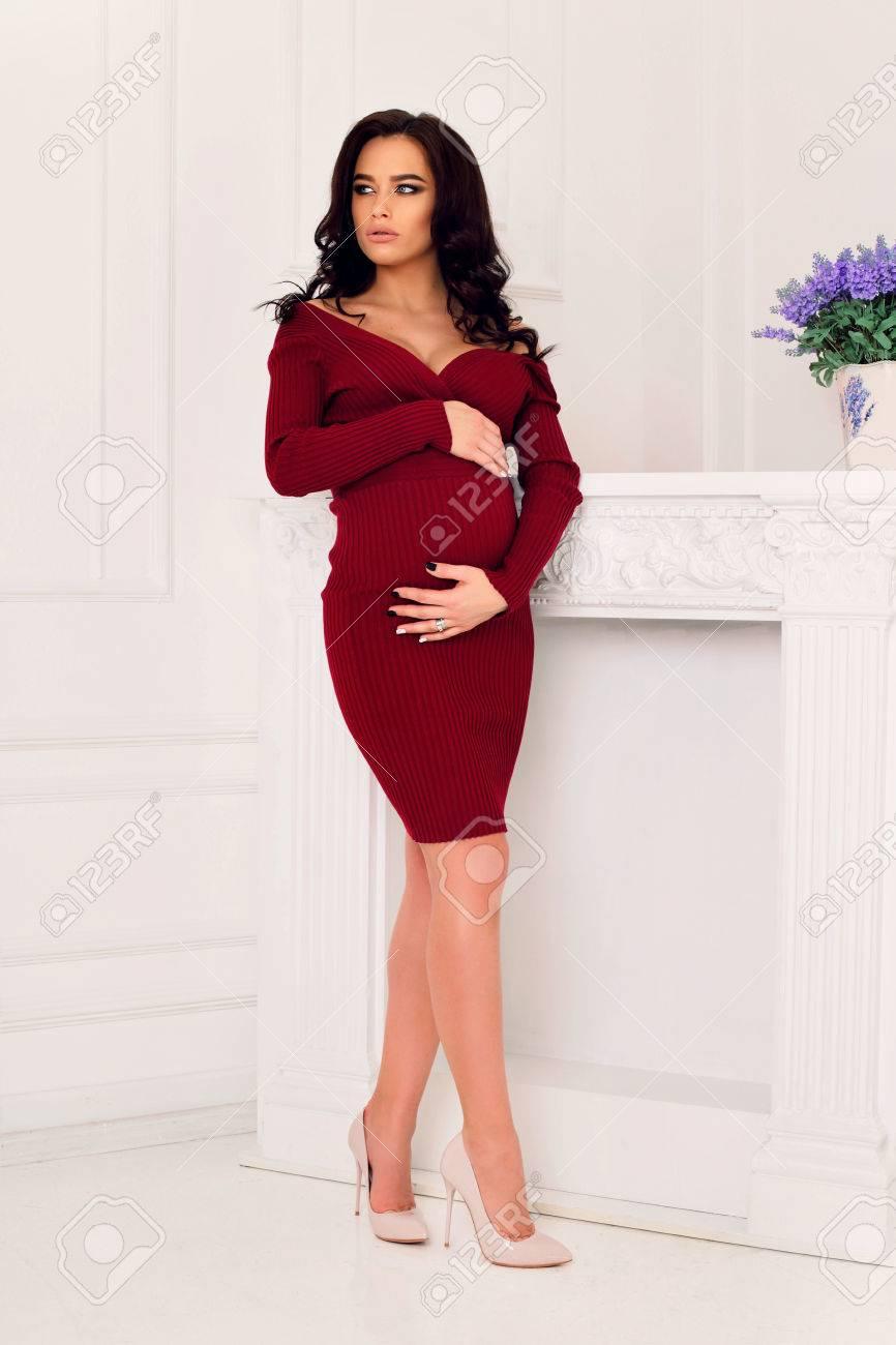 ¨レガントなドレスに黒髪の美しい妊婦 Á®å†™çœŸç´æ ǔ»åƒç´æ Image 55773900