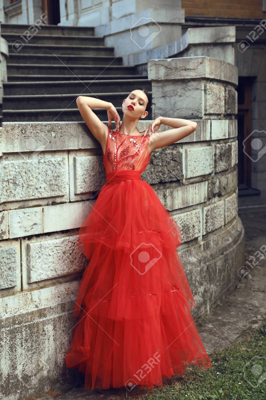 Fashion Outdoor Photo Of Gorgeous Young Bride With Dark Hair In Elegant Red Wedding Dress Posing: Elegant Ed Wedding Dresses At Reisefeber.org