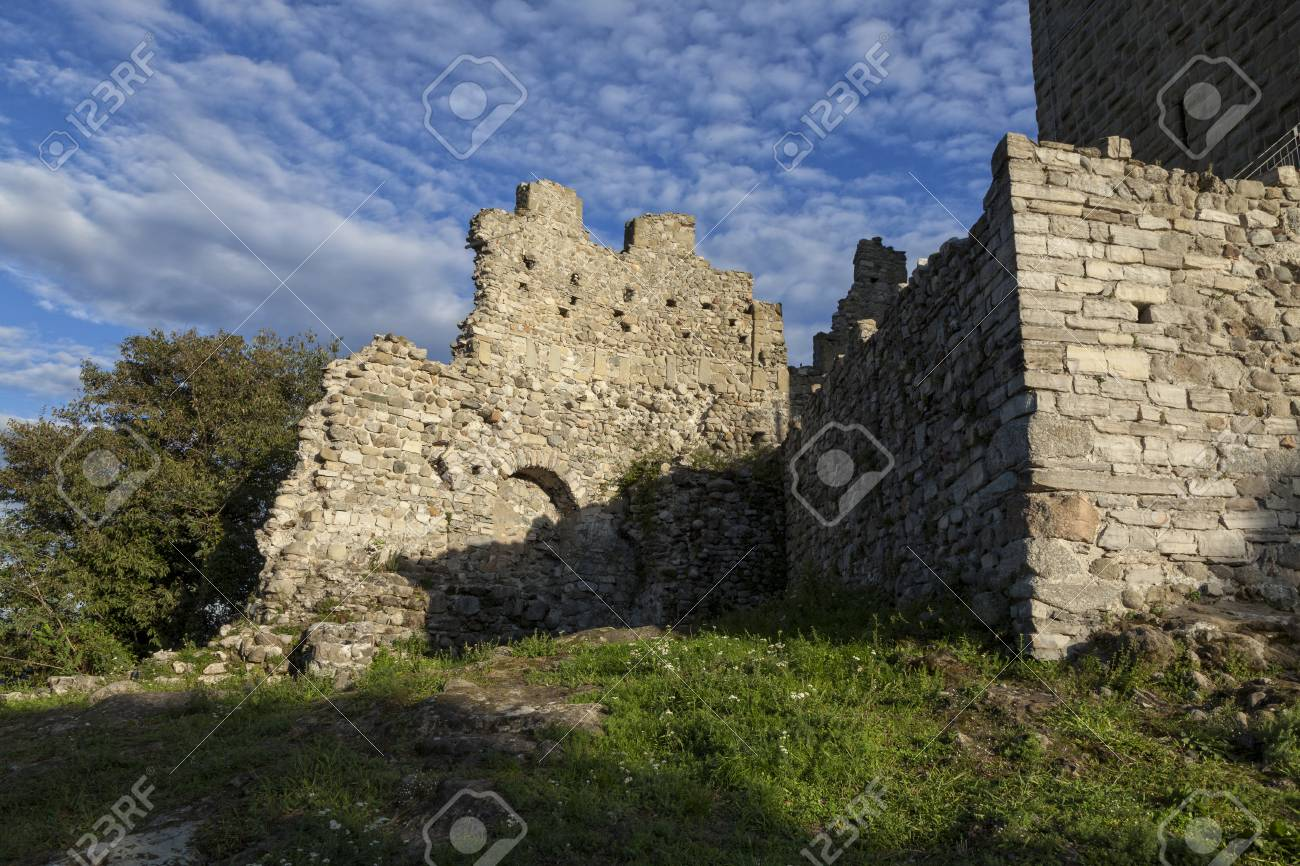 Medieval wall of the Baradello castle, Erected in 1159 by Barbarossa. Como Lake. Italy - 105179623