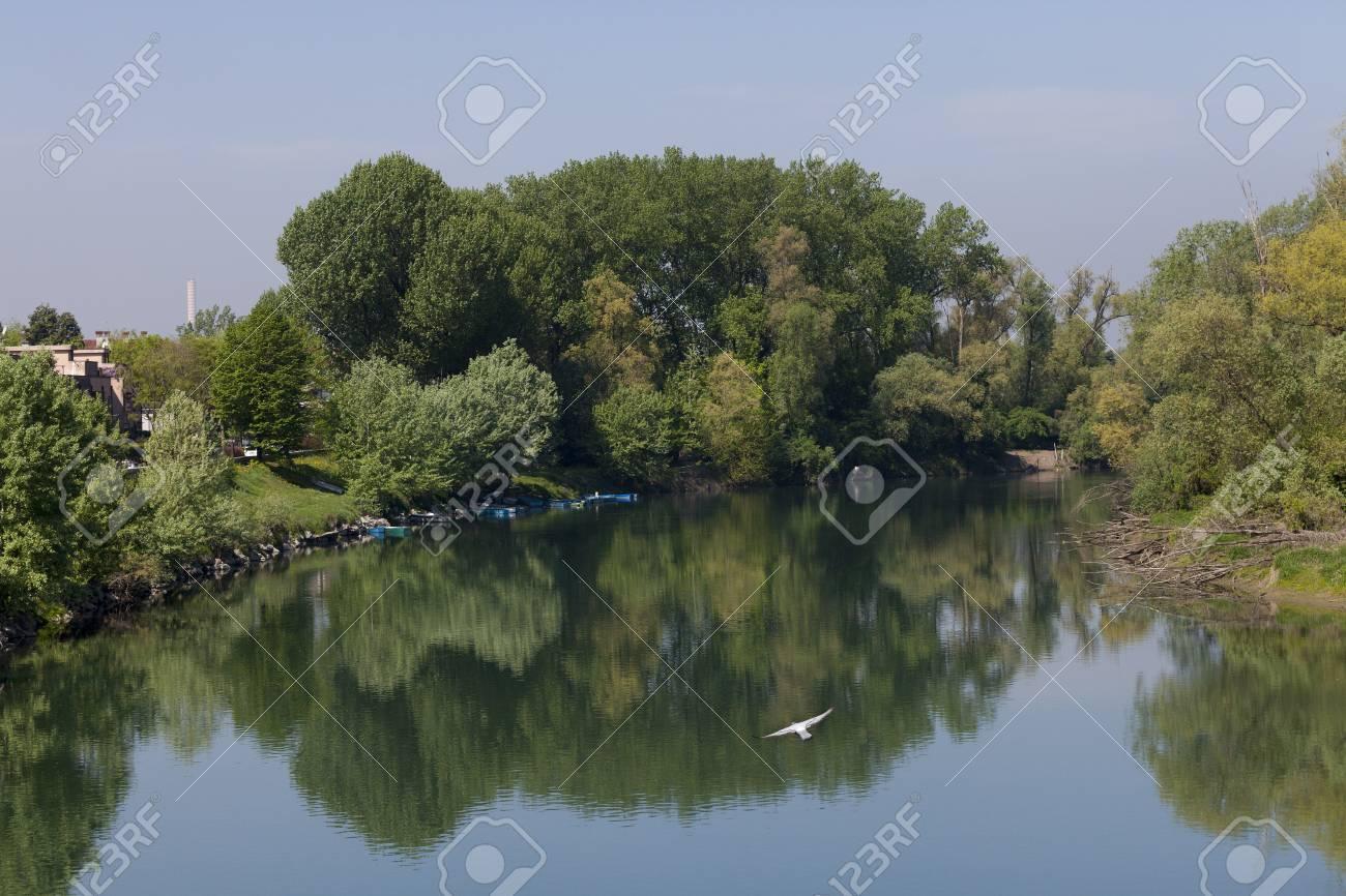 橋から見たロディのアッダ川の眺め の写真素材・画像素材 Image 97149801.