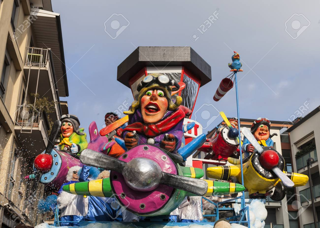 CANTU - ITALY - February 11, 2018: Allegorical float of traditional carnival. Buscait. Carnival of COMO LAKE - 97464552